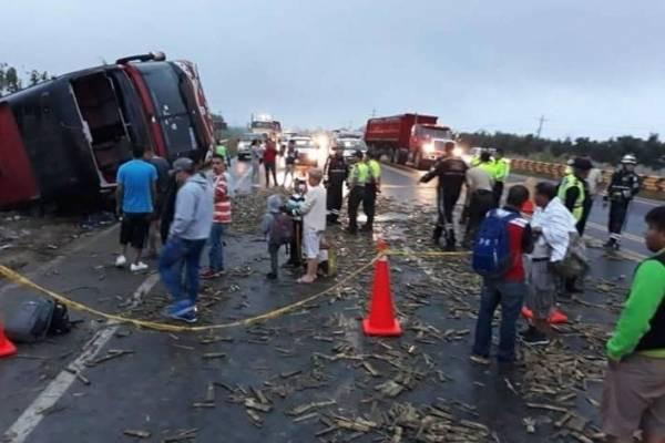 Varios heridos tras accidente de un bus interprovincial en Naranjal