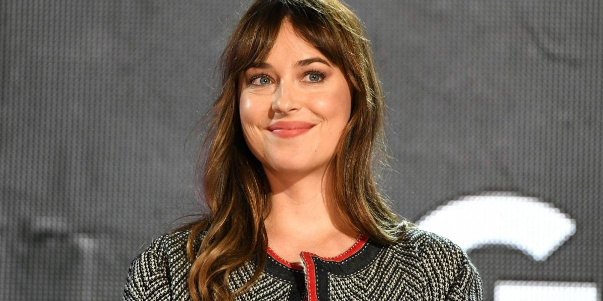 Dakota Johnson facilita su número telefónico para compartir historias de agresión sexual