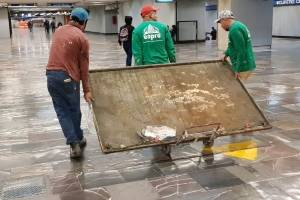 Quitan del Metro placas alusivas a autoridades de 1968