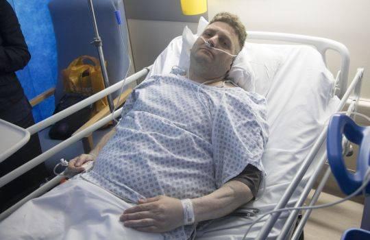 Le implantan pene biónico y entra en coma luego de usarlo