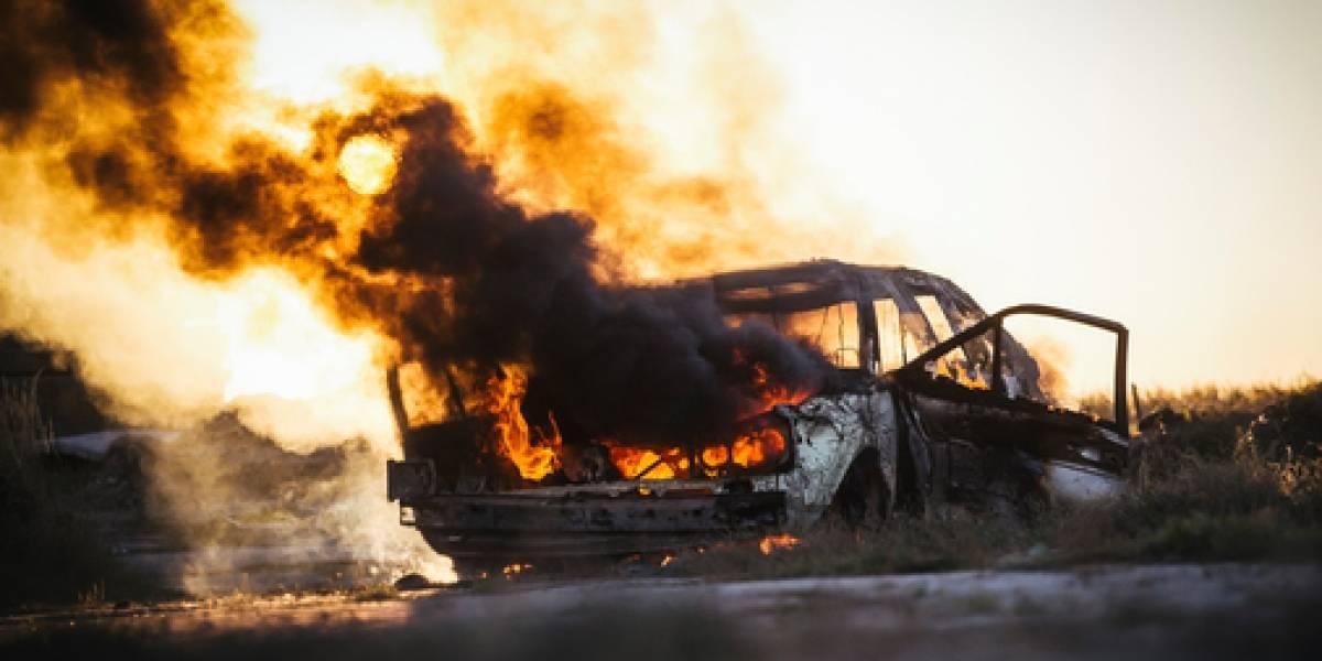 Encuentran cuerpo dentro de vehículo incendiado en Canóvanas