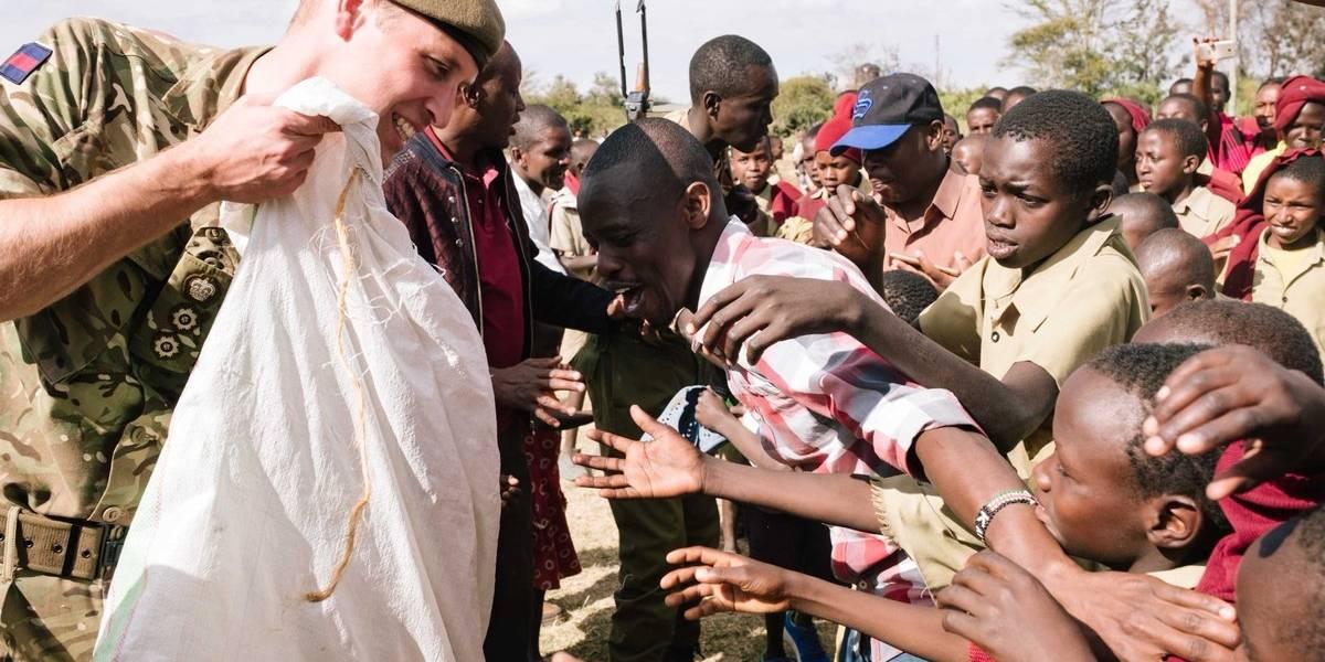 La emotiva visita del príncipe William a África que recuerda la nobleza de su madre Diana