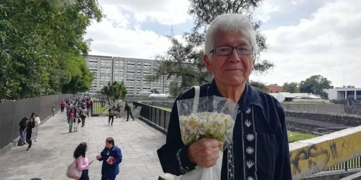 Desde 1968, Rafael lleva flores a sus amigos asesinados en Tlatelolco