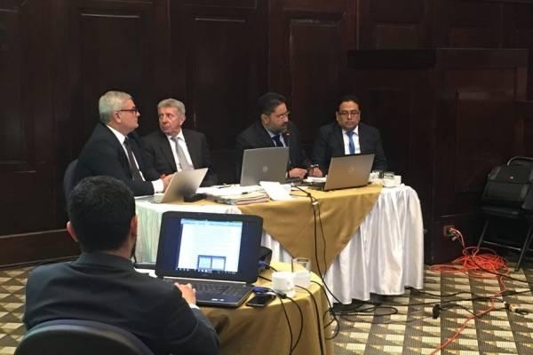 Los investigadores de la CICIG presentan algunos datos sobre el presidente Jimmy Morales y las reuniones con empresarios.