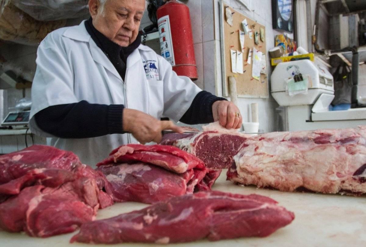 Los pequeños negocios como las carnicerías generan más de dos millones de empleos; y representan 48% del mercado nacional, reportó la Anpec / Cuartoscuro