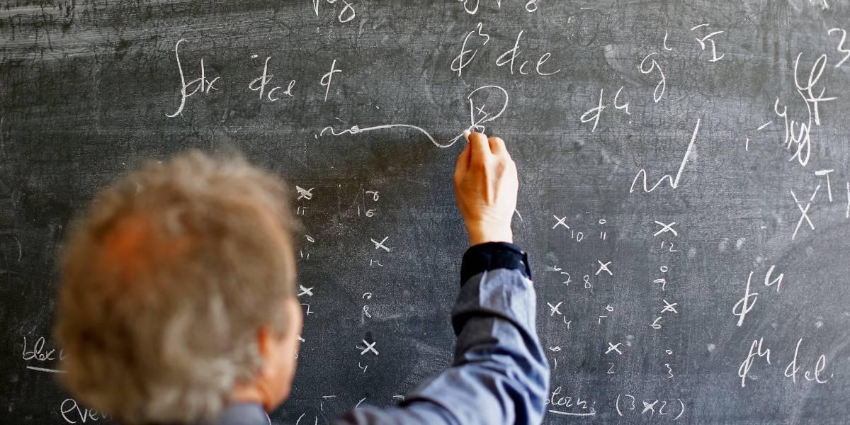 """""""La física ha sido inventada y construida por hombres"""": la frase de un científico de la CERN que se ganó las críticas del público"""