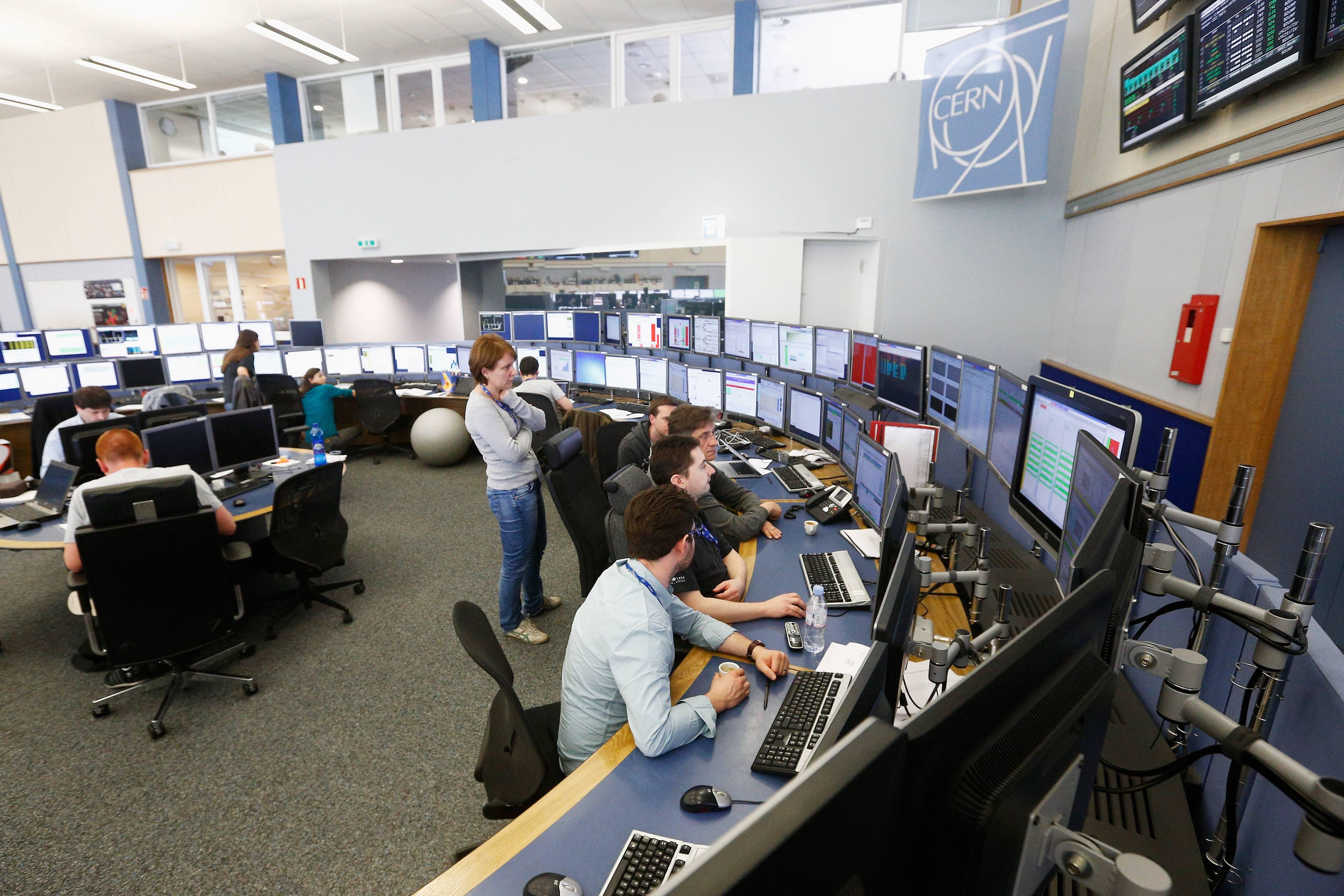 """""""La física ha sido inventada y construida por hombres"""" : la frase de un científico del CERN que se ganó las críticas del público"""