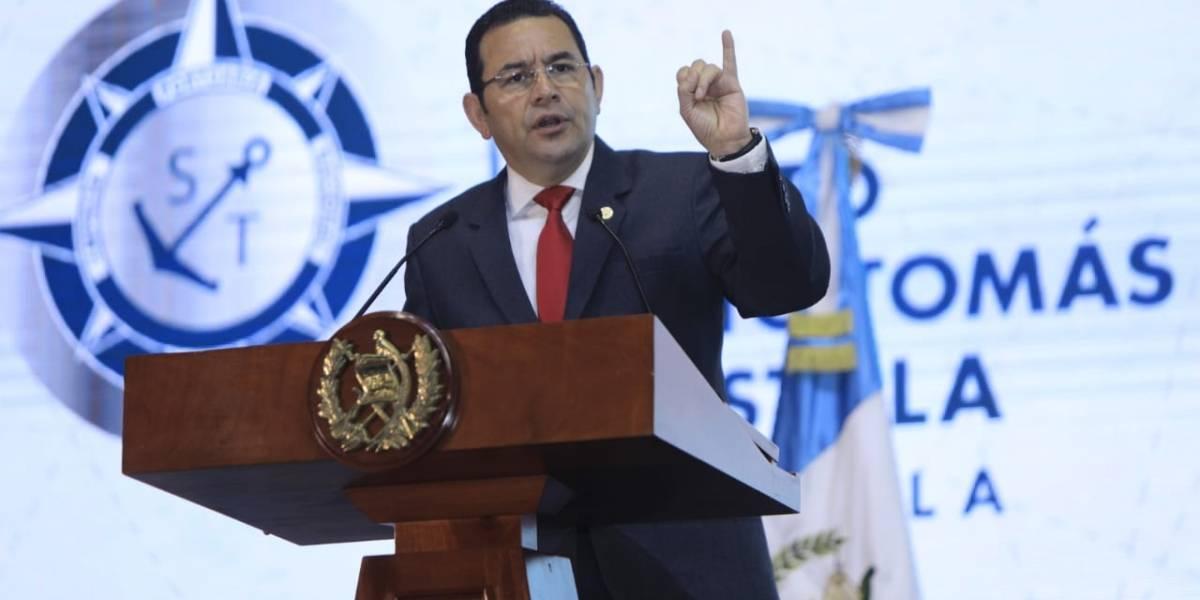 """Presidente ofrece """"mano de obra joven"""" a inversionistas"""