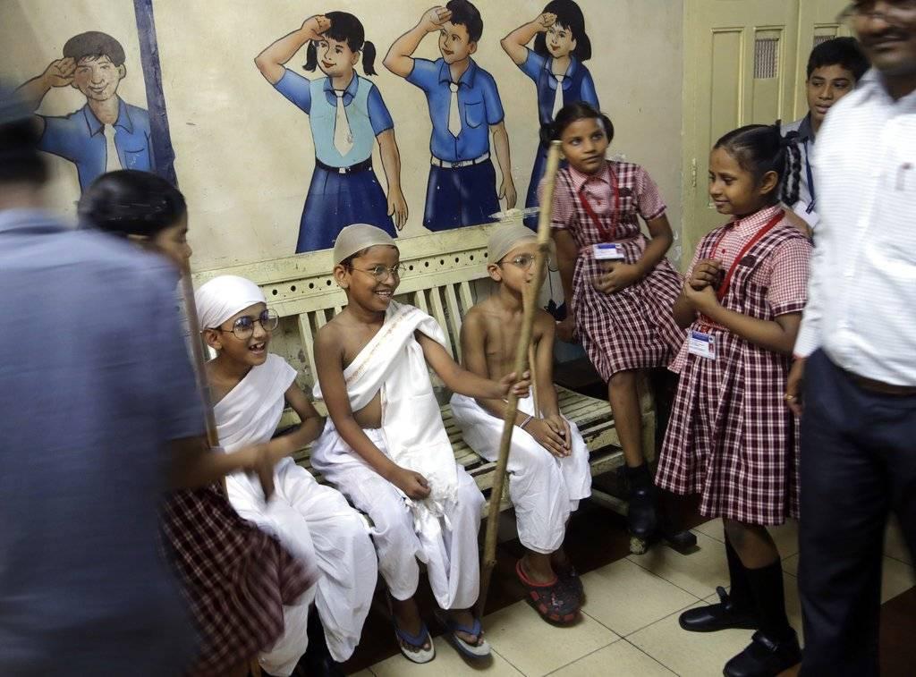 Gandhi defendió que los cambios empezaban por uno mismo y, a su vez, estos debían reflejarse en los detalles más insignificantes de la vida cotidiana. Foto: AP