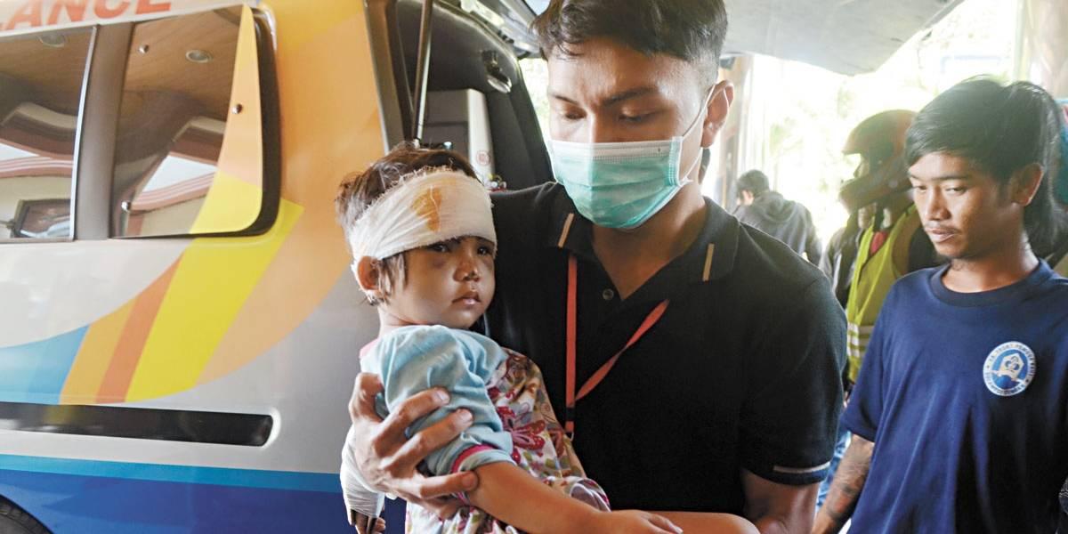 Mortos passam de 1,3 mil na Indonésia