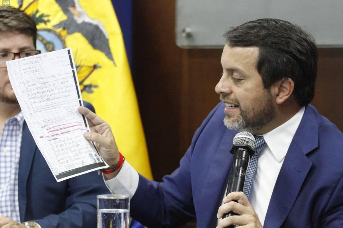 "Ministro de Justicia muestra videos de ""visita irregular"" de Sofía Espín a Diana Falcón API"