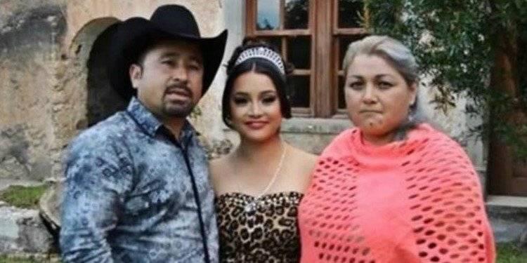 Rubí Ibarra y su familia Internet