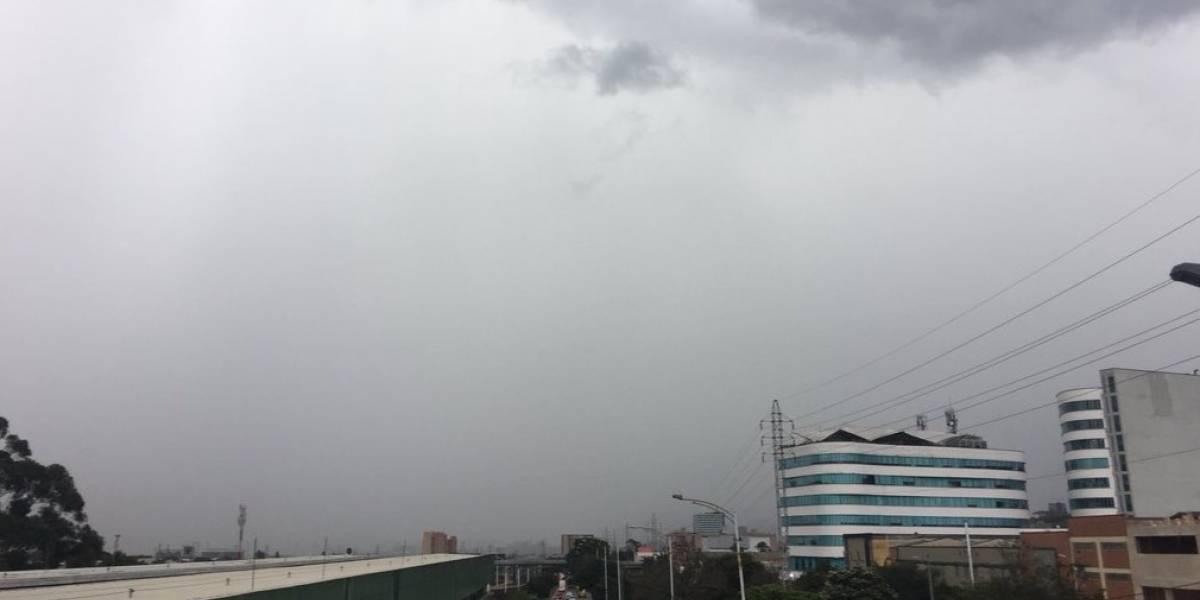 Tormenta en Medellín deja a la ciudad sin Metrocable ni acceso al aeropuerto