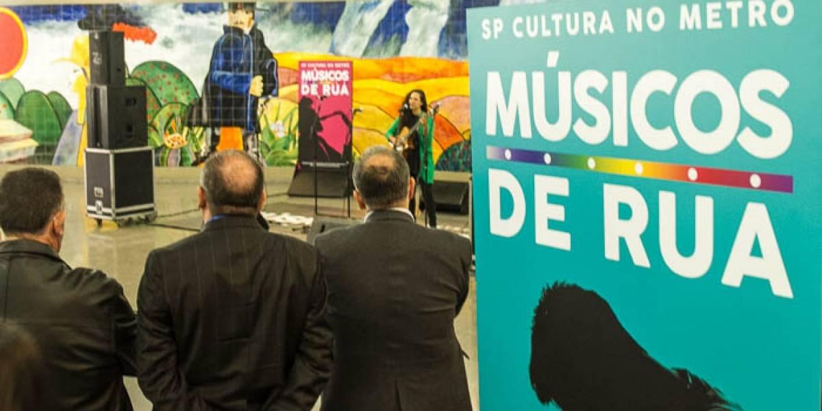 Estações do Metrô de SP recebem apresentações de circo, dança e música