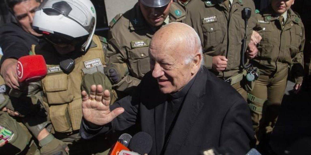 Arzobispo chileno guarda silencio en declaración por encubrimiento de abusos