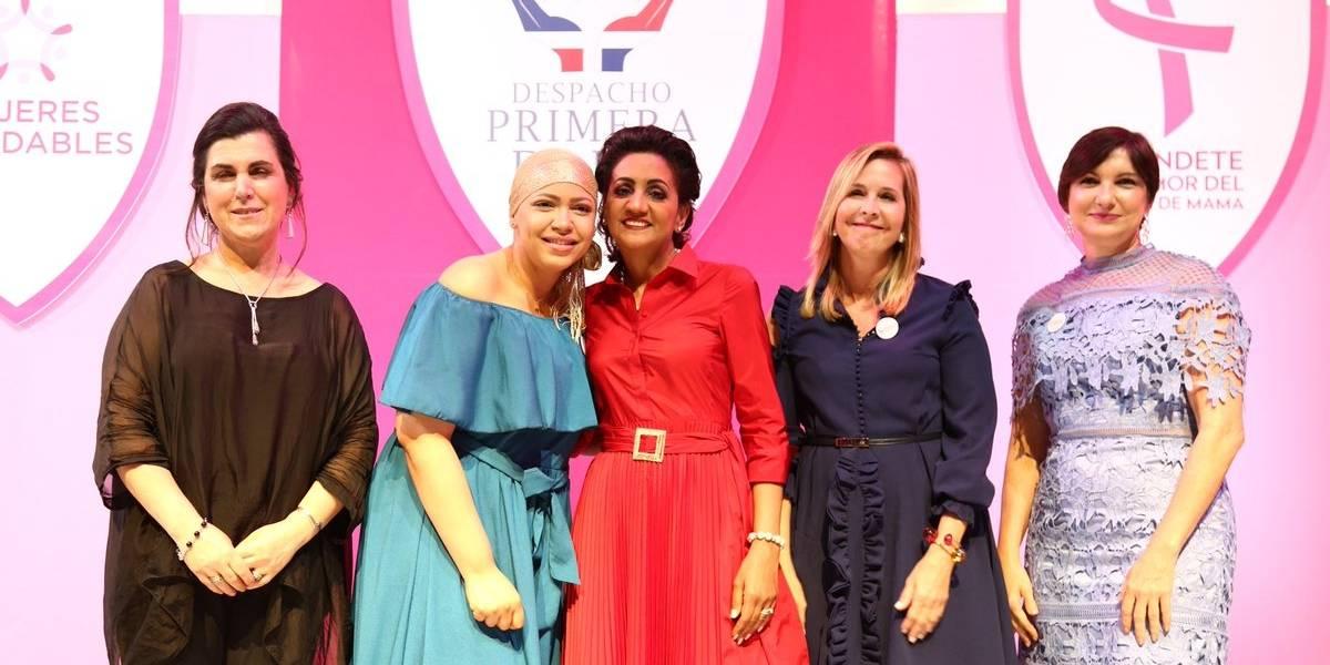 Primera dama inicia programa actividades contra cáncer de mama