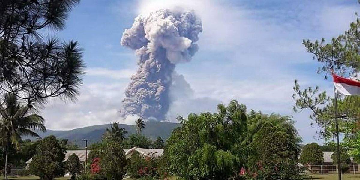 Tras terremoto y tsunami, Indonesia sufre la erupción de un volcán