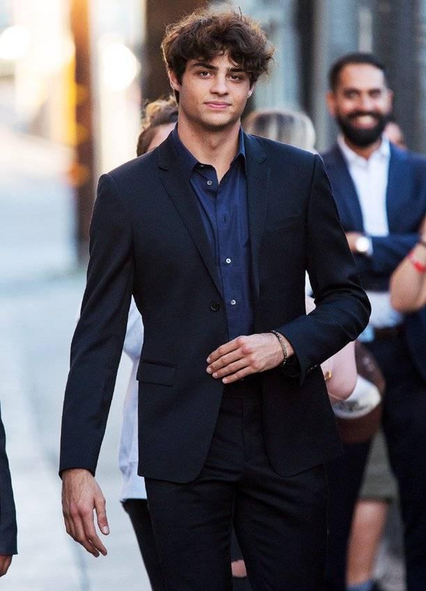 Irresistible actor que enamorará a las nuevas Ángeles de Charlie