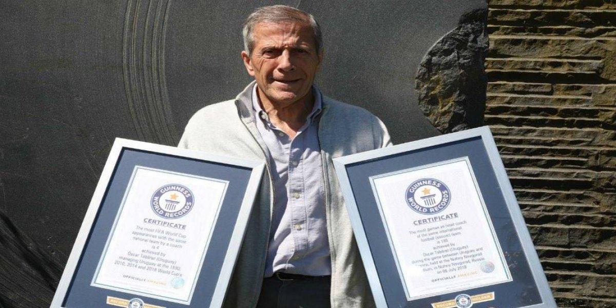 VIDEO:Técnico de Uruguay recibió dos reconocimientos de Records Guinness