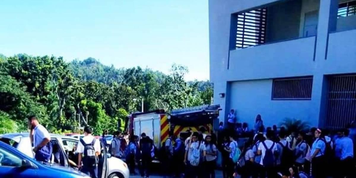 Reportan situación de emergencia en escuela de Toa Alta