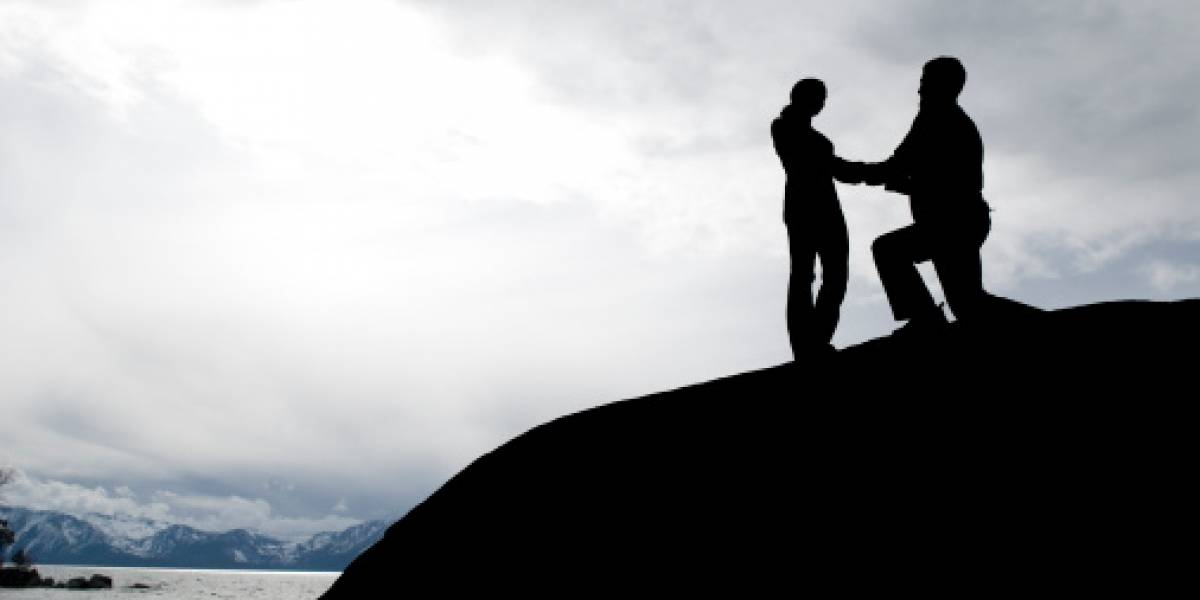 Planifica romántica propuesta de matrimonio a su novia en plena montaña y fue inolvidable tras enfrentar inesperada pesadilla