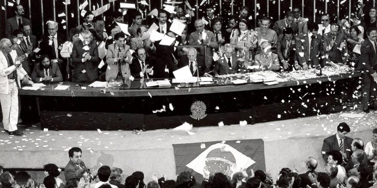Referência da história contemporânea, Constituição completa 30 anos