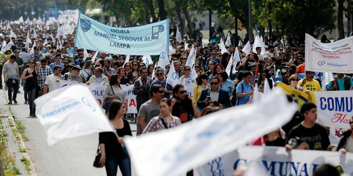 Paro nacional de profesores: Docentes dicen presente en masiva marcha