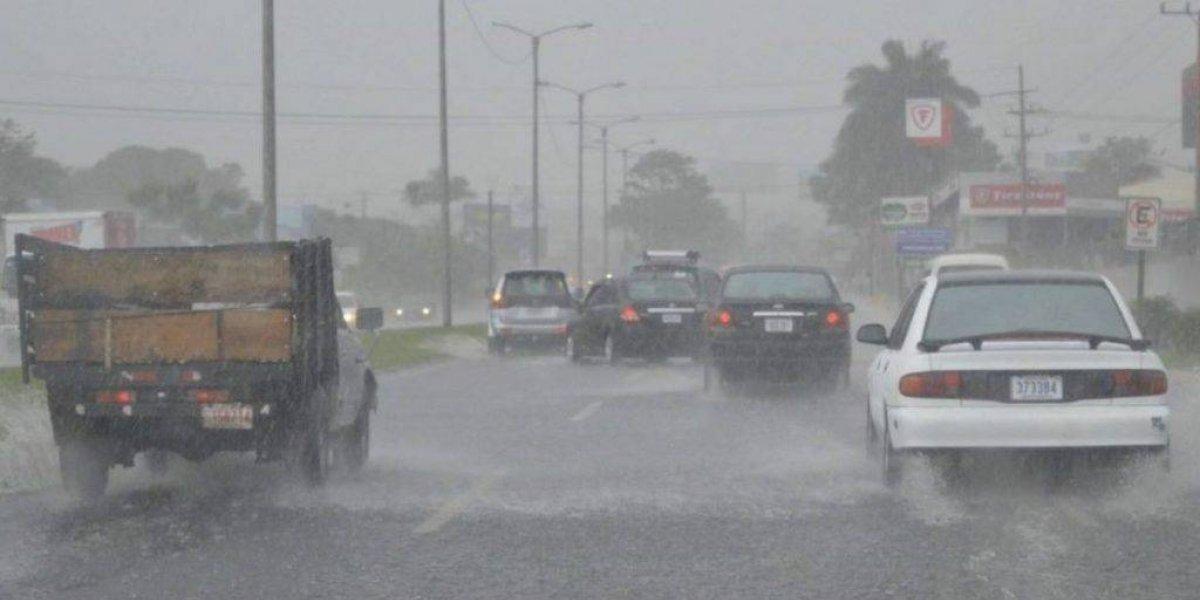 Vaguada y onda tropical provocarán aguaceros y tormentas eléctricas