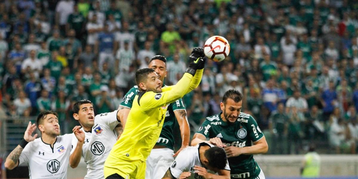 La triste trastienda de Colo Colo: Hinchas limpiaron el estadio pese a la derrota y a la caldera que se enfrentaron
