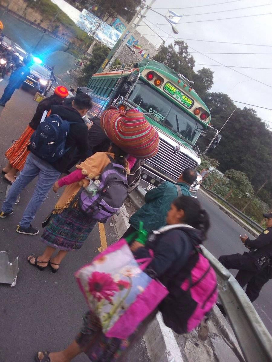 bus accidentado Km. 17.5 ruta Interamericana