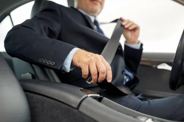 Hay multa si todos los ocupantes no llevan cinturón de seguridad
