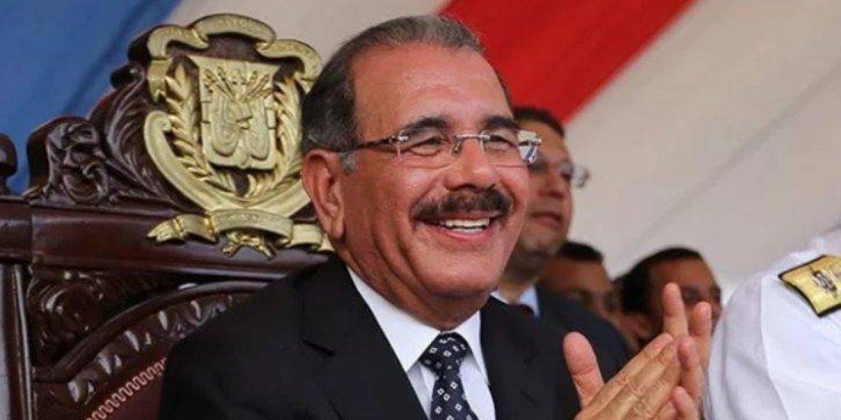 El presidente Medina otorga pensiones a 200 agrónomos