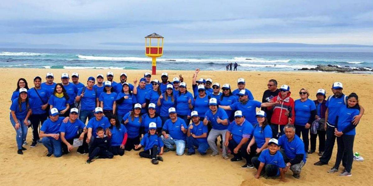Goodyear se pone ecológico y sale a limpiar playas