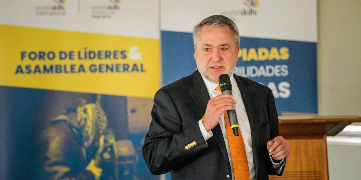 """Jorge Atton: """"Faltan más de 100 mil profesionales en ciberseguridad en Chile"""""""