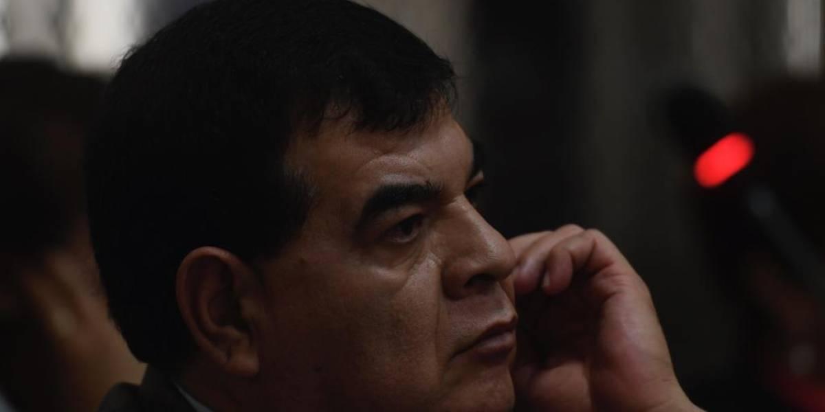 Niegan arresto domiciliario a exfiscal Rony López