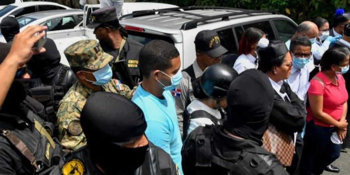Fiscales presentan pruebas del asesinato de Emely