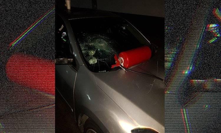 Los agresores rompieron el parabrisas de una de las mujeres trans.