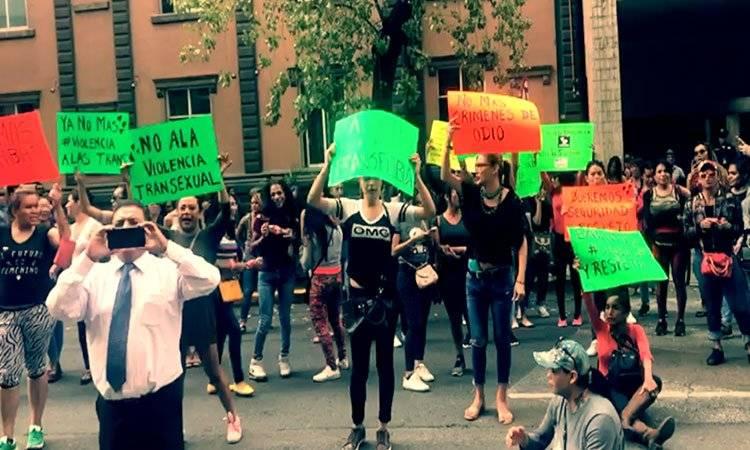 Sexoservidoras transexuales piden auxilio a las SSP-CDMX