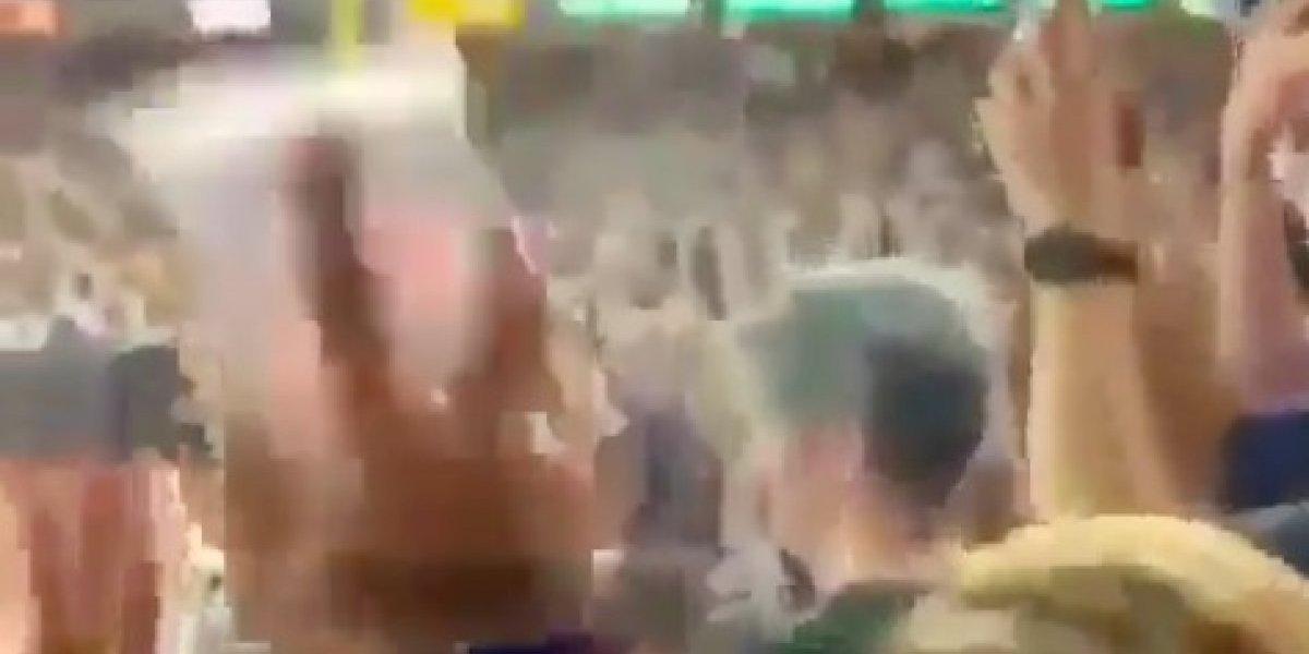 VIDEO: Aficionado de Yankees lanza vaso con cerveza a fan de equipo rival