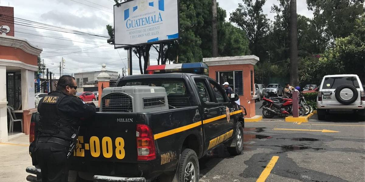 Verifican sede del Ministerio de Ambiente por alerta de posible artefacto explosivo
