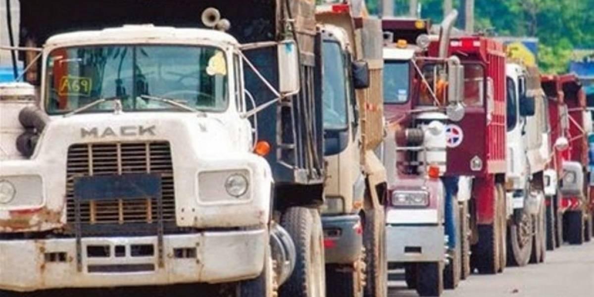 Camioneros y el Gobierno se reúnen otra vez para tratar tema modificación Ley de Hidrocarburos