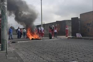 Ibarra: estudiantes de colegio se enfrentaron con policías