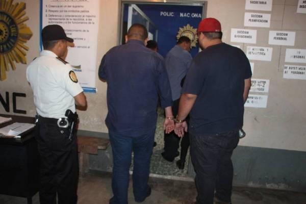capturados por robar Q100 mil en Petén