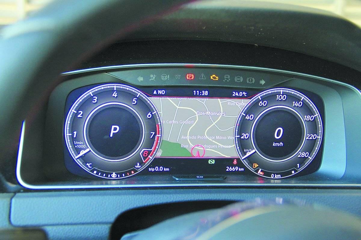 Volkswagen Golf GTI tem motor 2.0 turbo que consegue desenvolver 230 cv | Alexandre Carneiro/AutoPapo