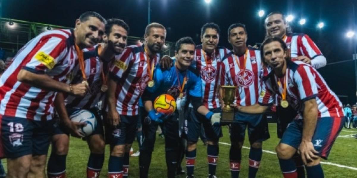 Leyendas de Chivas derrotaron al América en partido a beneficio