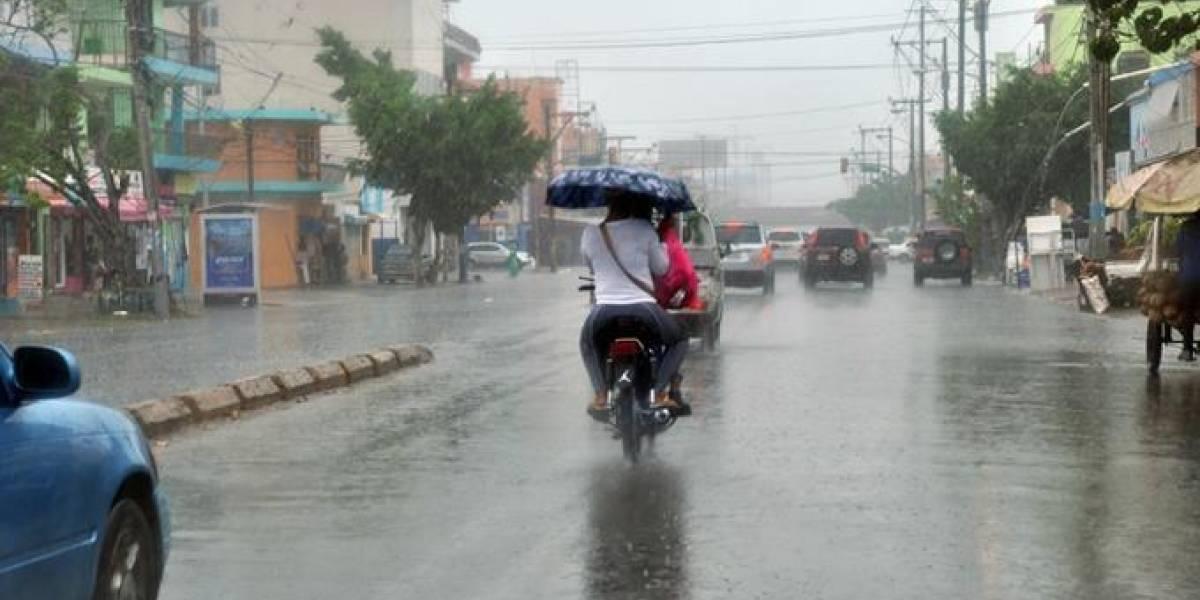 El COE mantiene 16 provincias en alerta ante lluvias generadas por vaguada