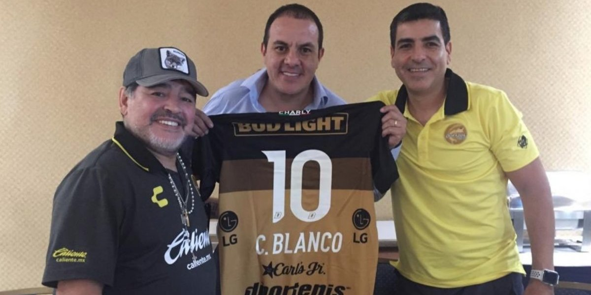 Dorados reúne a Cuauhtémoc Blanco con Maradona