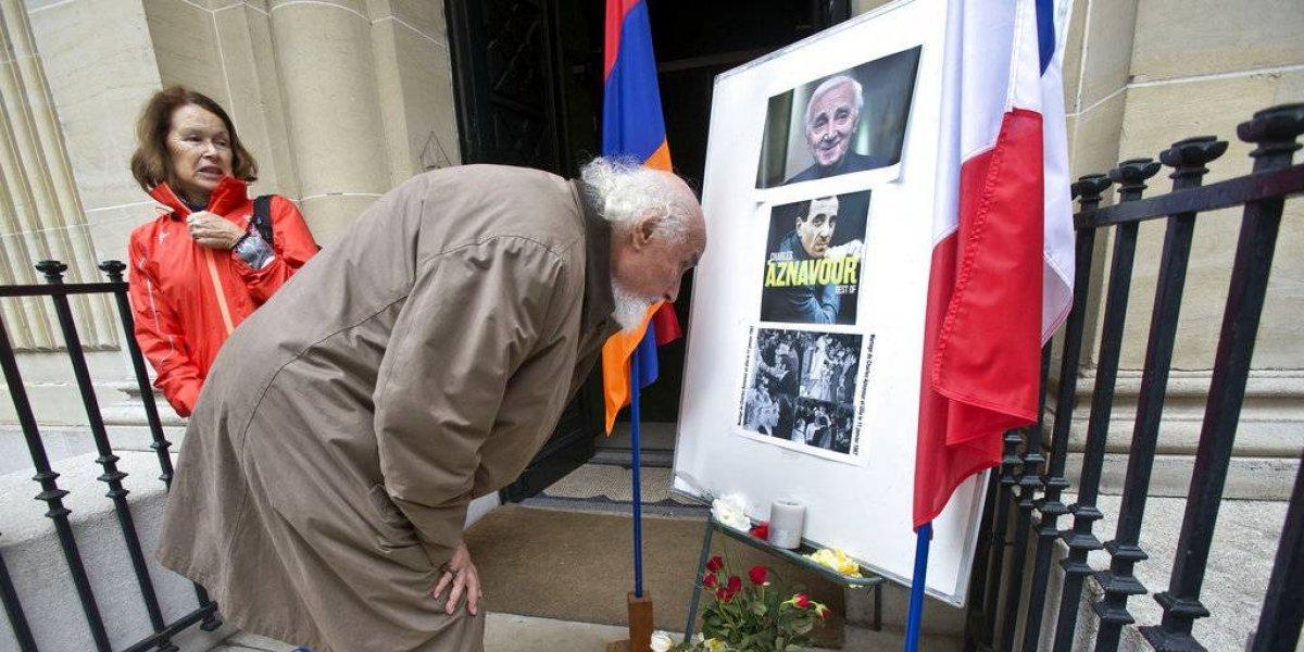 Francia rinde homenaje al fallecido Charles Aznavour