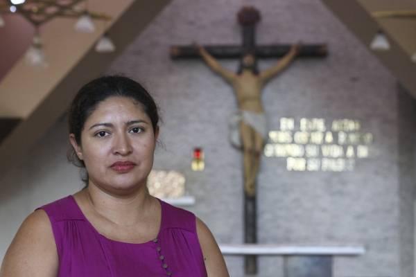 Cecilia recibió milagro de Monseñor Romero