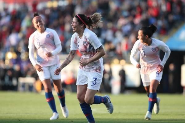 La Jefa Carla Guerrero fue figura en el triunfo 2-1 de la Roja femenina sobre su similar de Sudáfrica en Sausalito / Foto: @LaRoja